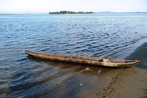 Canoe on the shores of San Blas Islands