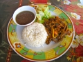 A traditional Panamanian meal of rice and ropa vieja.