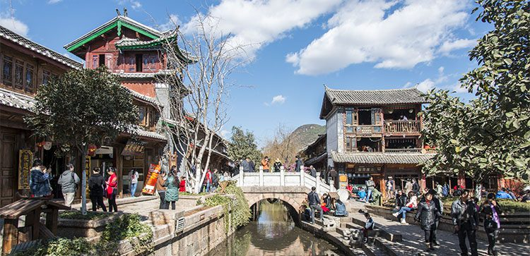 lijiang saquare, in southwest china, provides lots of vintage asian charm.