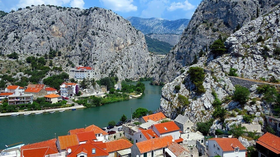 croatia lanscape with mountains and a river