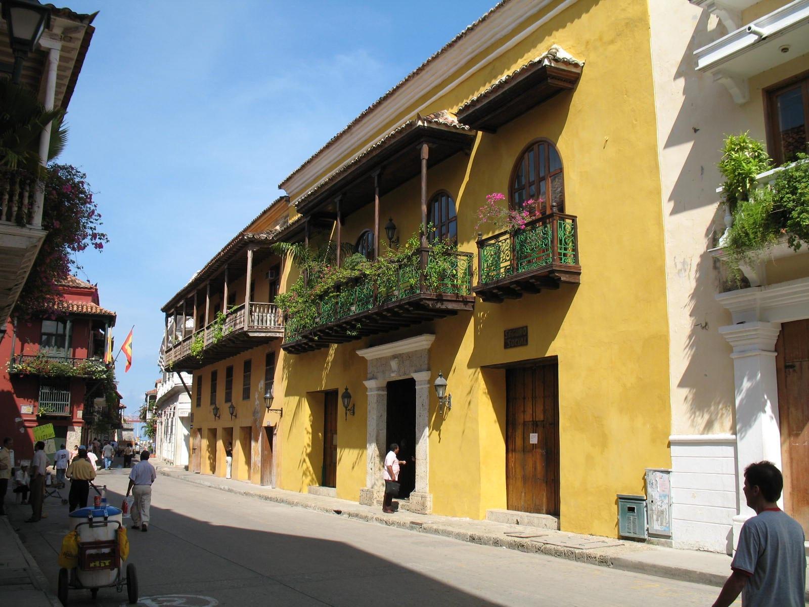 Cartagena infrastructure balconies