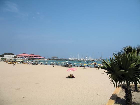 ecuador-salinas-white-sand-beaches