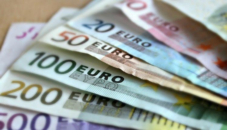 Investing In Weak Euro