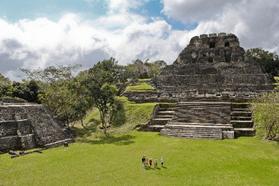 El Castillo, Xunantunich, Cayo