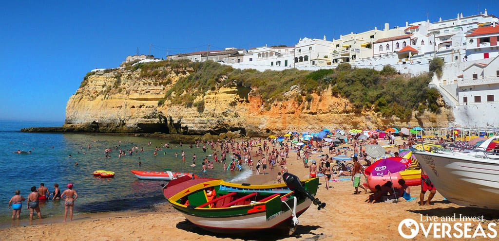 Beaches Like This Are One Of The Reasons Why Expats Are Living In Algarve Right Now