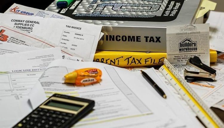 U.S. Versus Canadian Tax Obligations Living Overseas