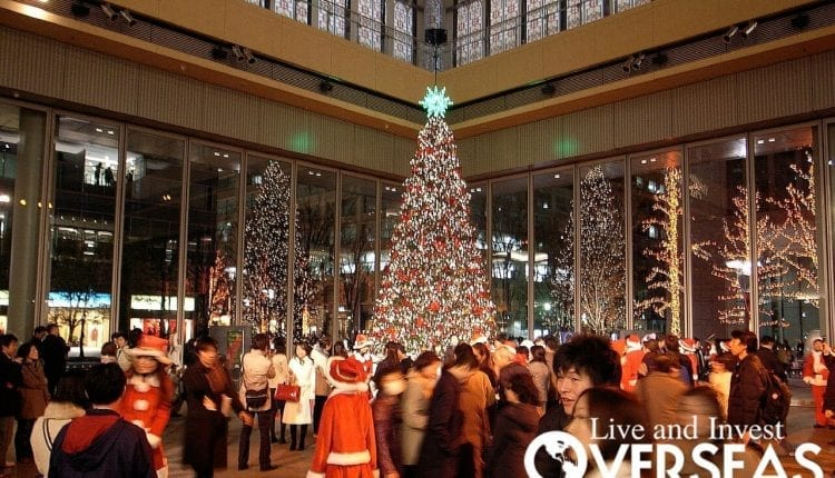 Celebrating Christmas At A Mall In Phnom Penh, Cambodia