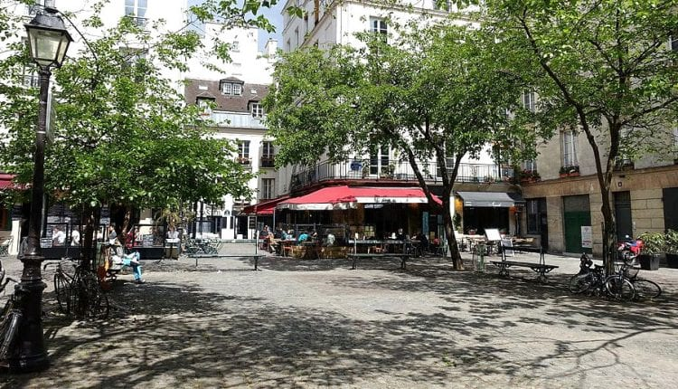 Le Marias, a popular neighborhood with lots of cafes