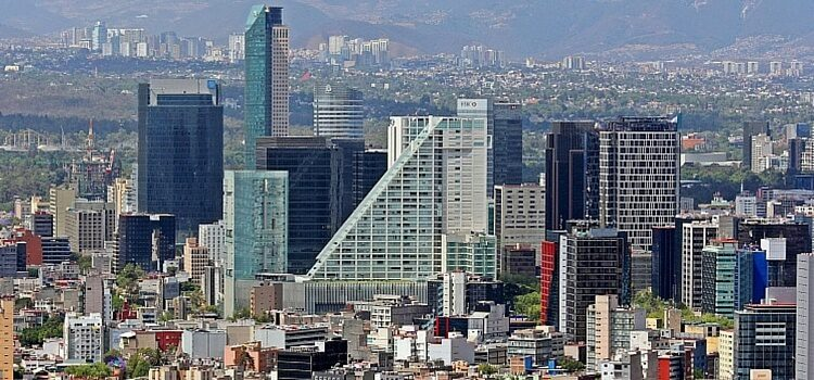 A Mexican well-developed city shows the solid economy.