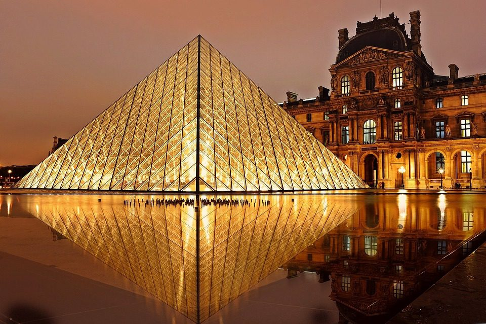 Louvre Museum, Paris - 7 Places You Can't Miss If It's Your First Time In Paris