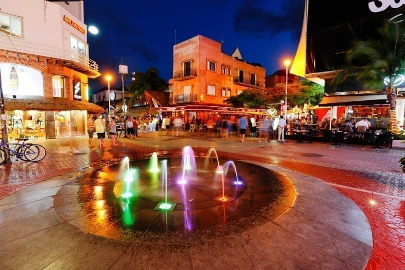 5 avenida at night in Playa del Carmen in Mexico