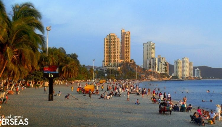 El Rodadero in Santa Marta is one of the beach hot spots of the city.