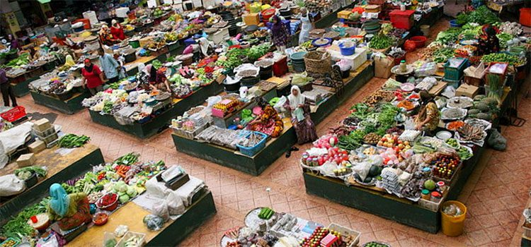 Overhead view of a produce market in Kuala Lumpur