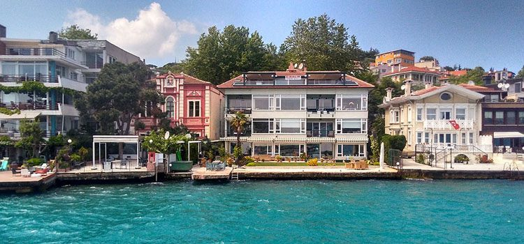 Beautiful Houses by the Water in Turkey