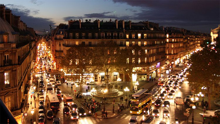 A congested intersectin in Paris