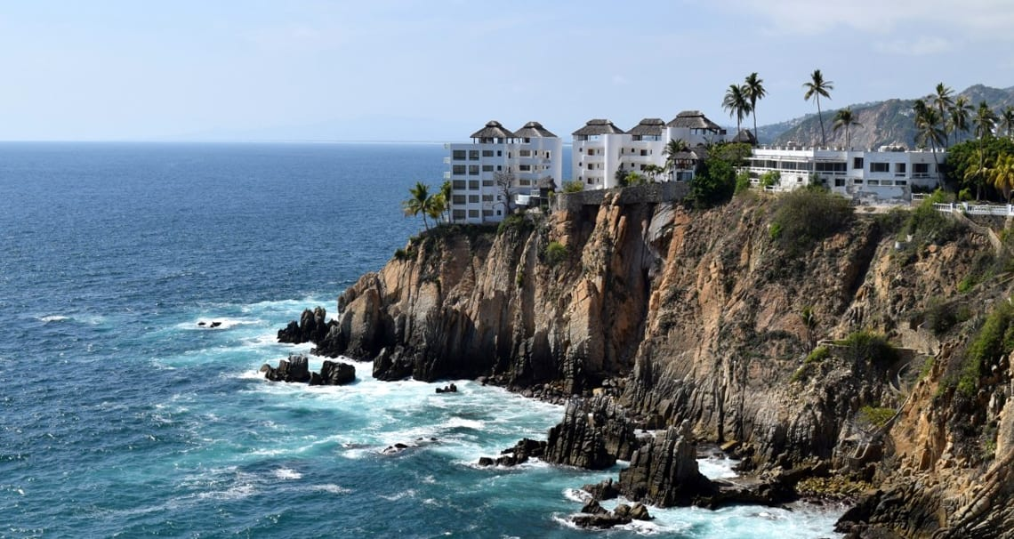 beautiful five story condos on the edge of a cliff overlooking the ocean in Acapulco