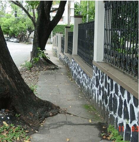 A sidewalk in Panama
