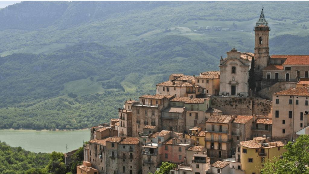 Colledimezzo Hillside