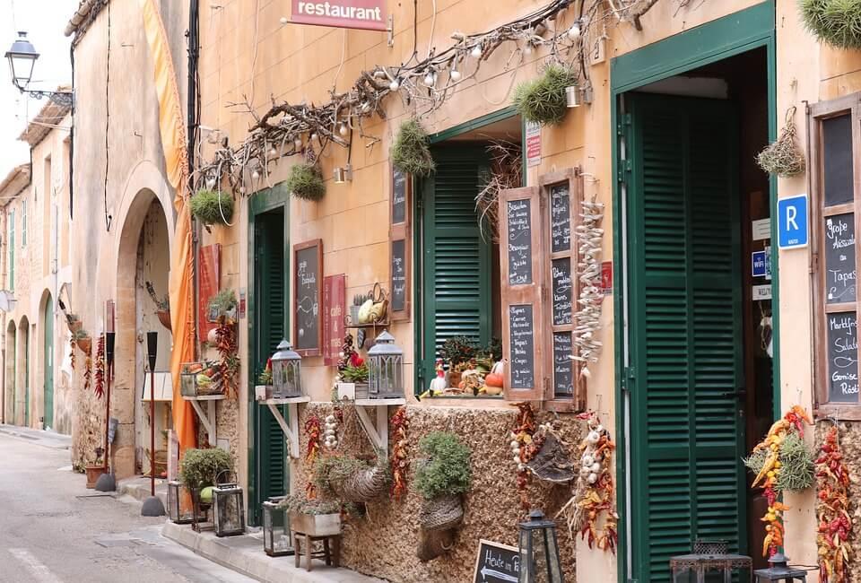 mallorca shops spain