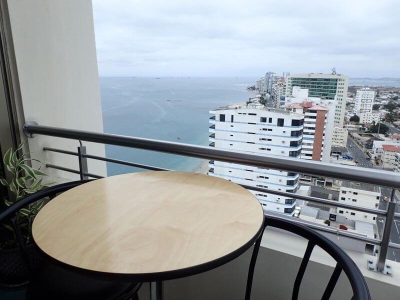 aquamira balcony ecuador