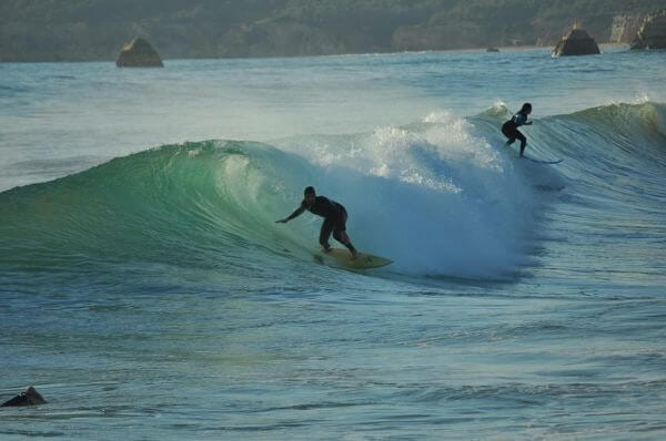 sagres surfing portugal