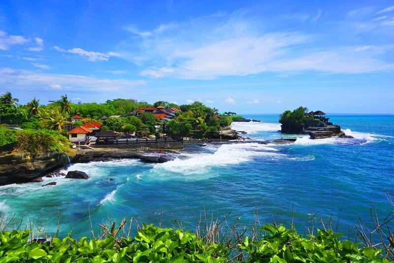 Visa Requirements For Entering Bali image that shows the great beaches in Indonesia