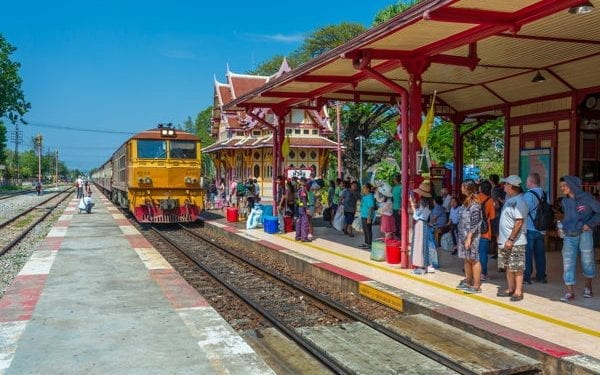 best Place To Retire In Thailand. Hua hin has a beautiful railway