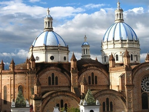 cathedral in cuenca ecuador