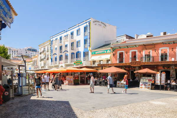 algarve tourist zone