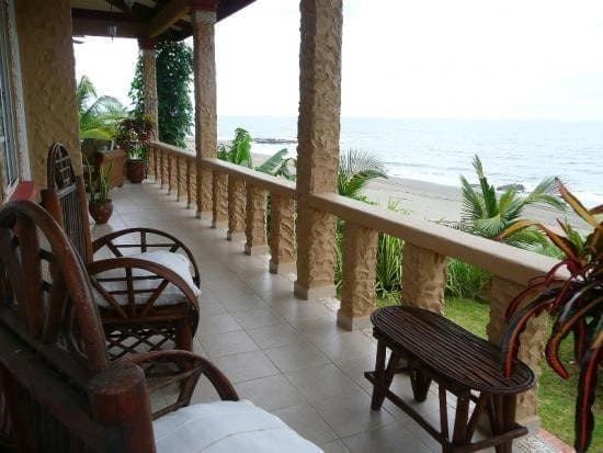las tablas view of the beach