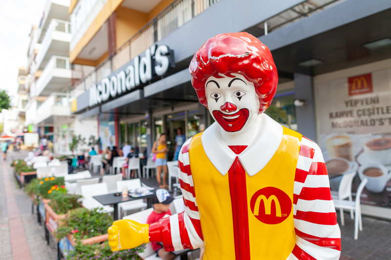mcdonalds clown outside restaurant