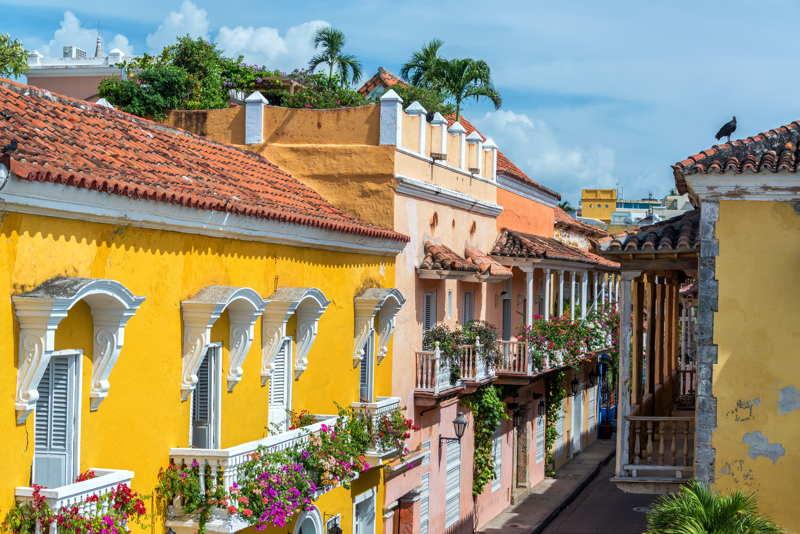 colonial street cartagena