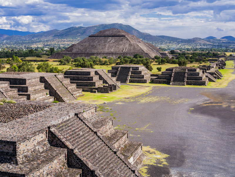 teotihuacan temples in mexico