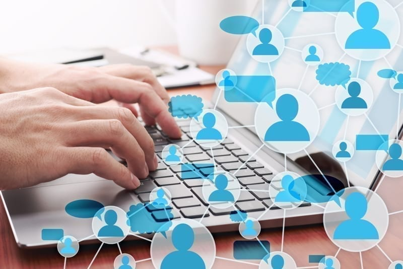 Online expat group