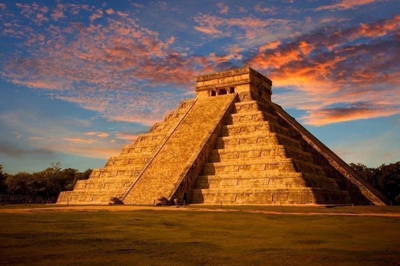 Kukulkan temple, Chichen Itza, México