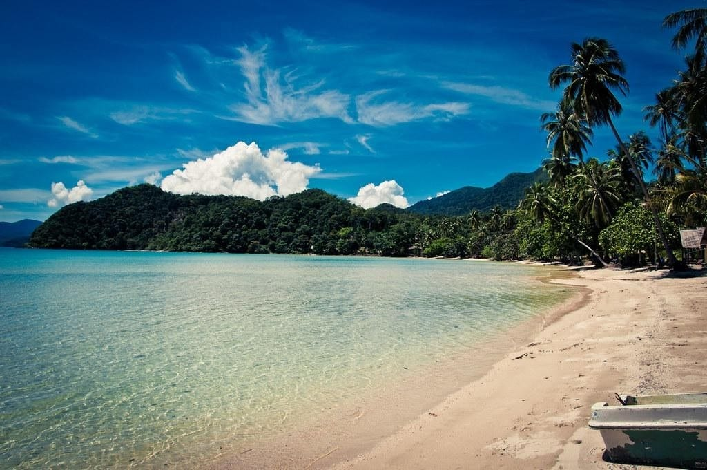 Blue waters and white sand in Koh Chang in Thailand