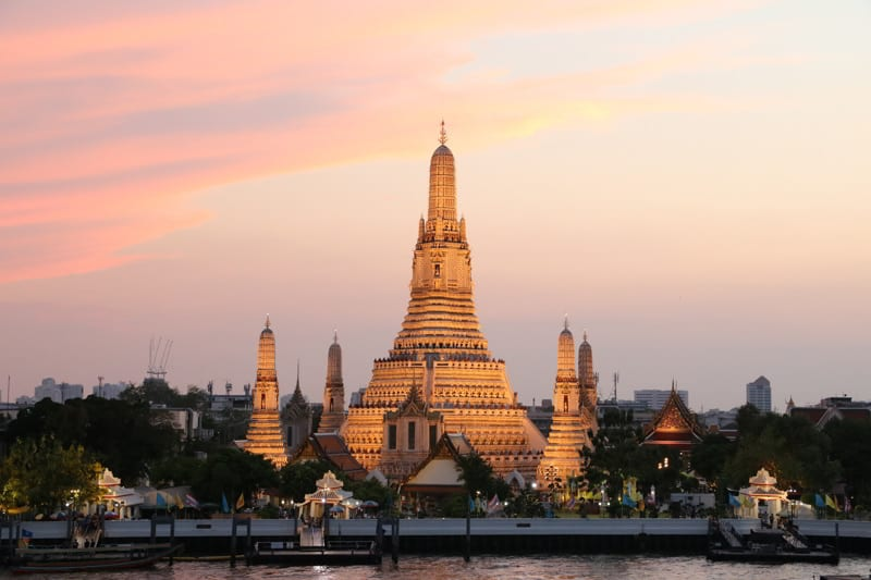 Sunset in the Wat Arun Temple in Thailand