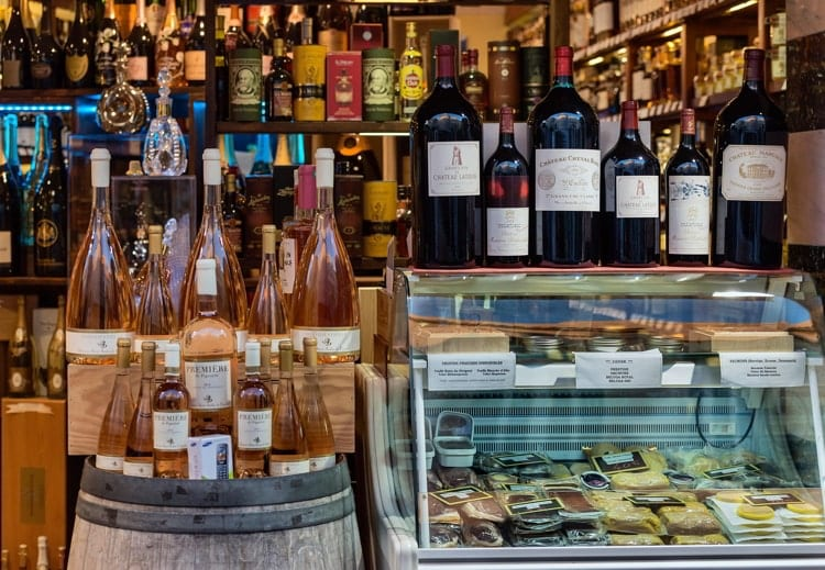 Wine and cheese shop in Antibes, France